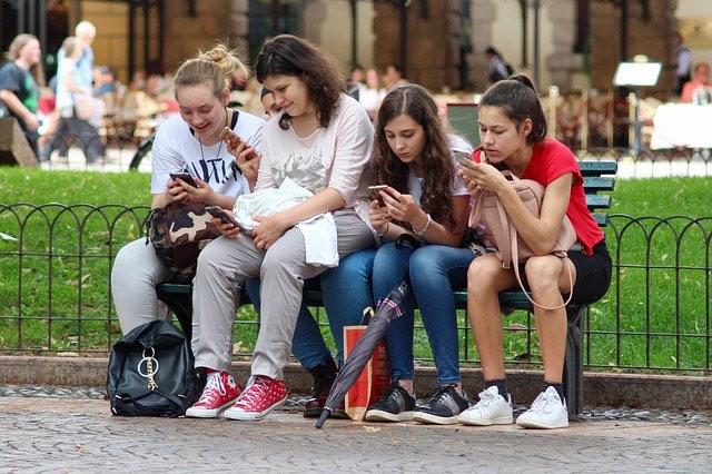 dipendenza da social